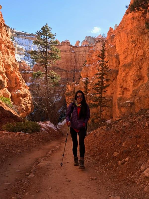 peekaboo trail bryce canyon november girl hiking